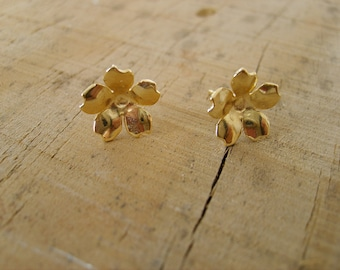 Lovely little flowers gold studs earrings, handmade (gold plated 24K), gold stud earrings