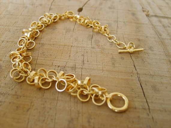 Chainmaille-bracelet in gold, beautiful and delicate