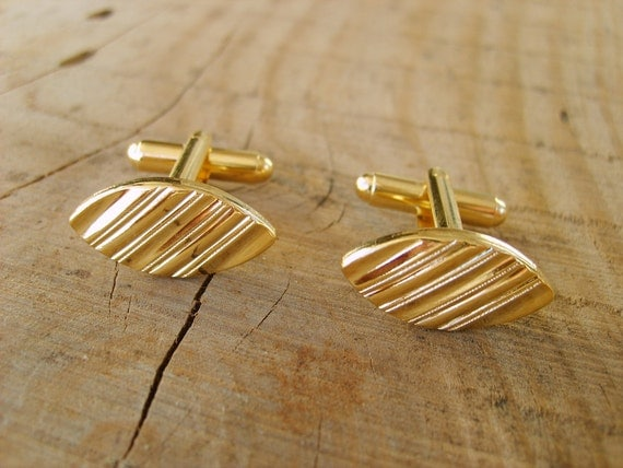 Gold Cufflinks, Wedding Cuff links, Bridegroom Cufflinks, Cufflinks Vintage Style in Gold.