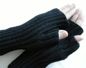 SALE Hand knit Mens black mittens gloves for him autumn winter