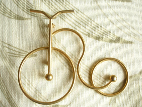 Vintage Old Fashioned Bicycle Brooch Pin, Large, Goldtone, Excellent Condition