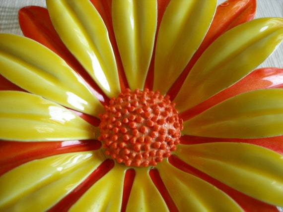 Vintage Broach Pin, Large Yellow n Orange Daisy Flower, Metal, Perfect Condition, Womens Jewelry