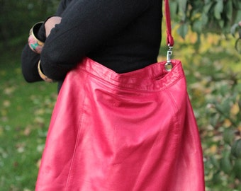 Genuine  soft red leather handbag / tote with adjustable strap and magnetic clasps, handmade : Femme fatale.