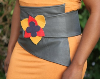 leather cincher / belt Assymetrical grey very soft. Handmade and OOAK flower arrangement SALE (35-25 euros)