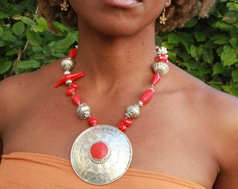 tribal pendant necklace Red glass beads and big metal Indian style : Metal Magma