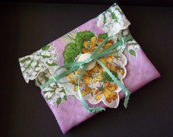 SWEET FLOWER Hanky with Scalloped Edges