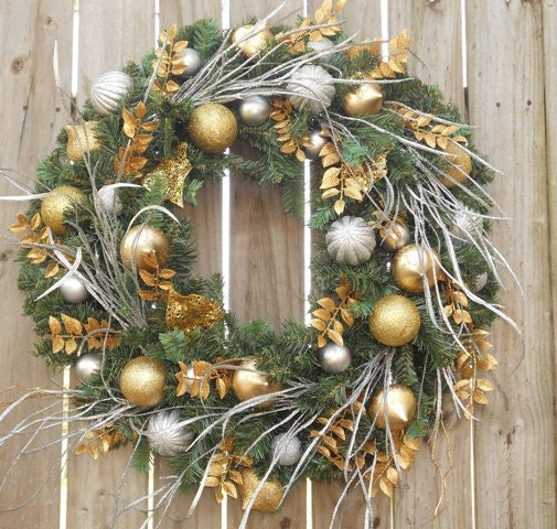 18 Inch Christmas Wreath
