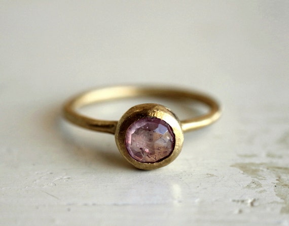 Reserved. Pink sapphire ring. Rose cut. 18K gold. engagement. India.