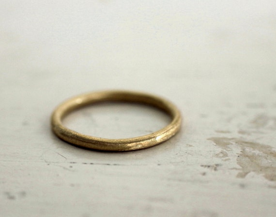 Gold wedding band. 18k. Rustic love. A gold ring. Sophie.