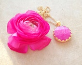simple bridal romantic round gemstone pendant bold bright candy pink  faceted jade stone pendant in golden frame necklace israel