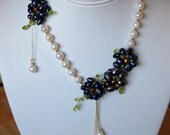 Wedding Necklace in Pearls and Peridot