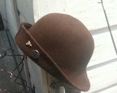 SWAGGER hat with pins