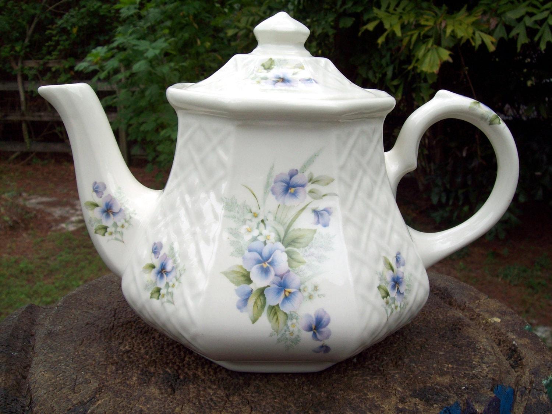 sadler teapot windsor made in england. Black Bedroom Furniture Sets. Home Design Ideas