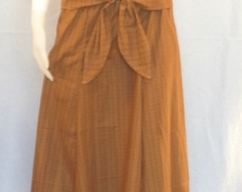 Ready Made, Modest skirt with decorative ties. Size Small