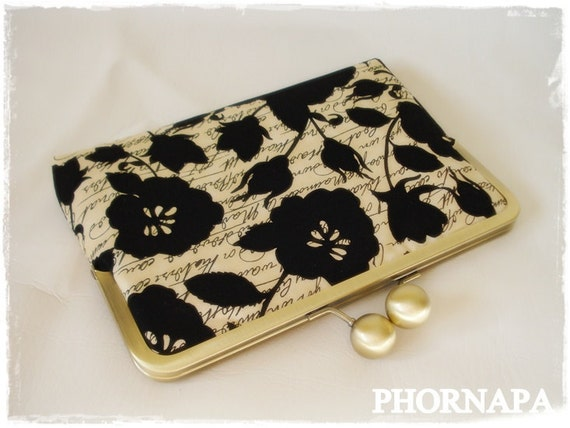 SALE  eReader/Sony/Kindle/Nook  Chic Padded case cover Ready to Ship
