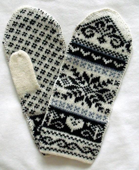 Norwegian Scandinavian hand crafted 100% Wool Mittens, folk art
