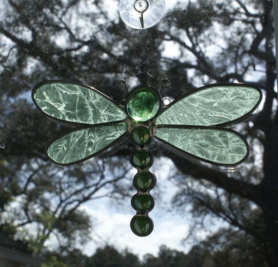 """Green Glue Chip Textured Stained Glass Dragonfly Suncatcher 7"""" x 6"""""""