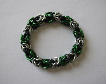 "Green and silver ""Slytherin"" byzantine chain mail bracelet - 8"""