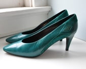 Vintage Teal Green Snakeskin Diamond Leather & Suede Pumps / Ana Bonilla Collection / size 10
