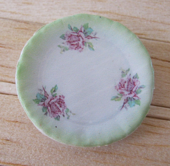 Green Cottage Rose Plate for Dollhouse
