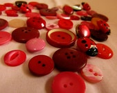 REDUCED Collection of mixed vintage red and pink buttons from 1960s - 1980s in good condition.