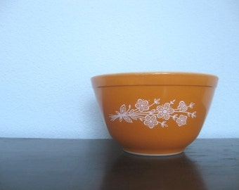 Pyrex Mixing Bowl, Butterfly Gold, Retro Orange & White Forget Me Not Flowers