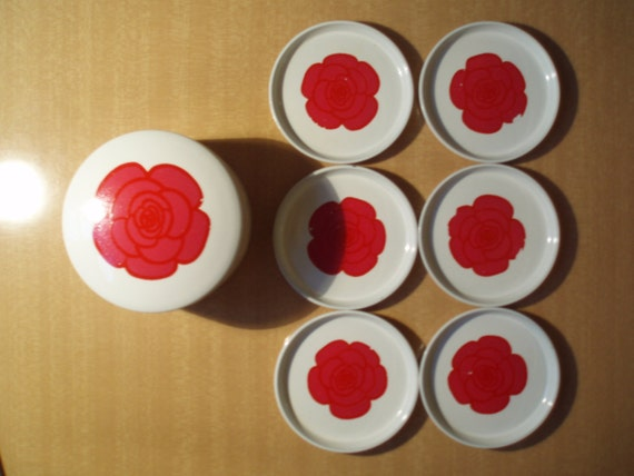 Vintage - White Coasters with Red Flower Motiv  6 Pieces from the 1960ies