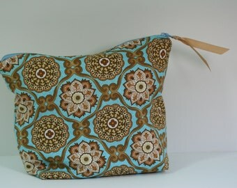 Accessory bag, Blue and Tan Floral Print