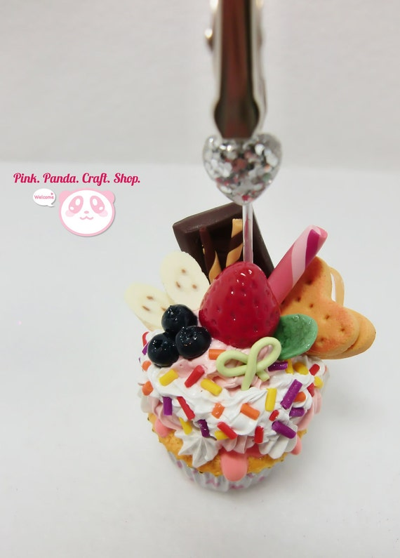 Reserved for Karolina: Colorful creamy fruity polymer clay cupcake card / note holder