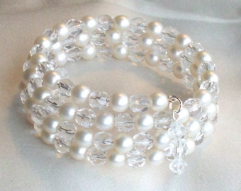 Brides or Bridesmaids Bracelet in Pearls and Crystals