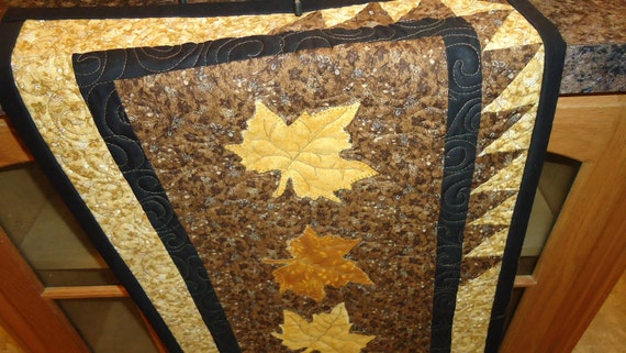 Maple Leaves Fall Swirl Quilted Tablerunner