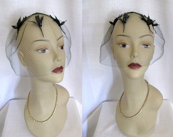 Vintage 1950s 60s Black Birdcage Fascinator - Hat - Veil - Hair Net w/ Feather Birds