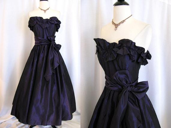 SALE - Vintage Gunne Sax Jessica McClintock Deep Purple Taffeta Prom Dress w/ Full Skirt