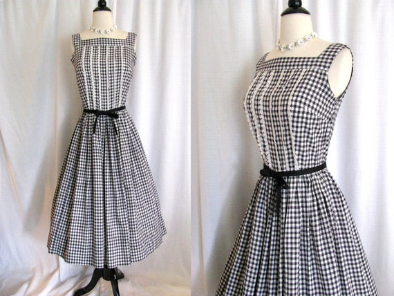 SALE - Vintage 1940s - 1950s Black and White Gingham Cotton Day Dress with Full Skirt - Size Small