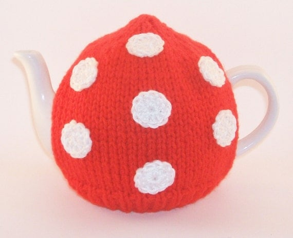 Handmade Toadstool Red & White Polka Dot Spot Knitted Tea Cosy/Cozy