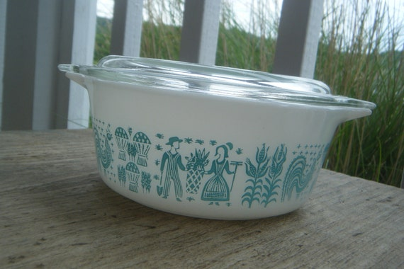 Pyrex 1 1/2 pt Butterprint Refrigerator Bowl with Lid Turquoise