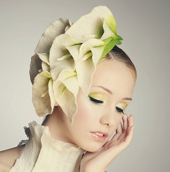 RESERVED - Elegant flower Calla Lily fascinator hat with merino wool, silk fibers and chiffon silk