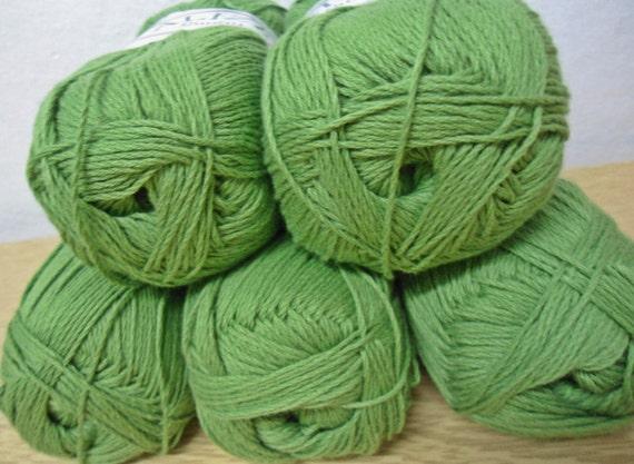 cotton  yarn Kelly green  5 Skeins Each skein: 100 gr