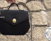 Vintage Style Exquisite Gold Details Purse - Black