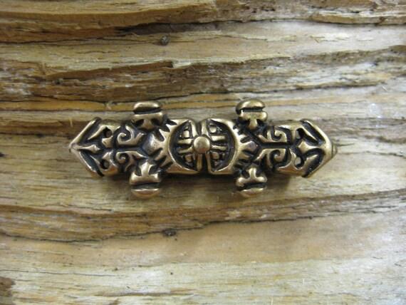 02.121.BZ  Equal arm brooch Viking age