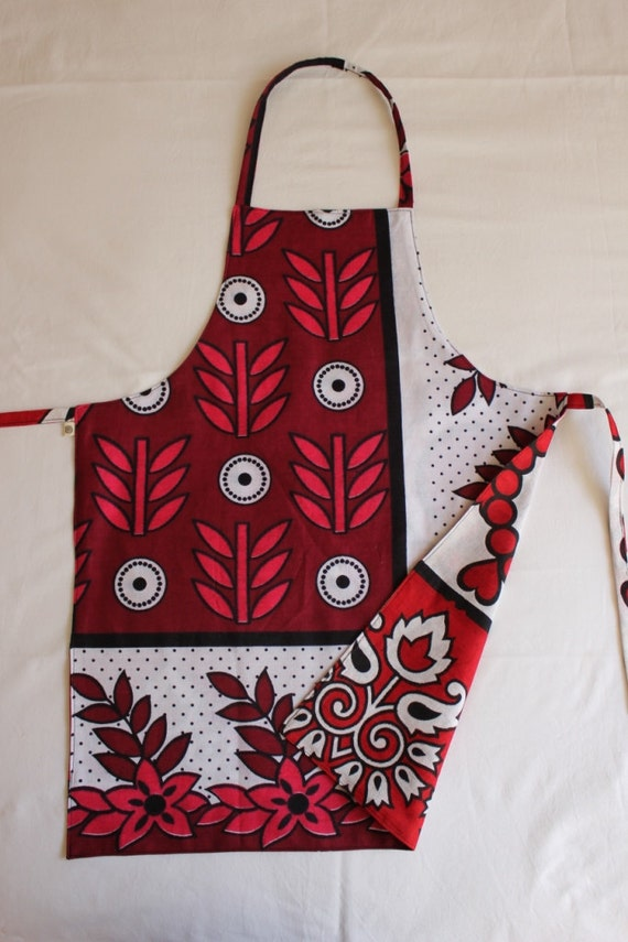Reversible Apron, Kanga: Love hearts and flowers, Red and pink tones, Child Medium