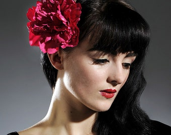 Now, Voyager Magenta Carnation Hair Clip