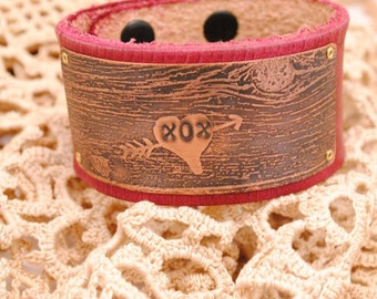 Bracelet Cuff Love XOX Woodgrain Heart Etched Copper and Leather