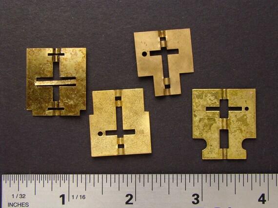 Vintage gold brass clock parts wheels gear cog for goggles sculpture jewelry industrial mixed media robotics Steampunk Art Supplies 2195