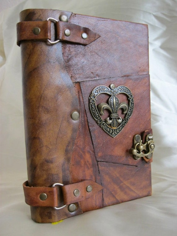 Luxry handmade blank leather journal notebook with antique ''Heart'' design
