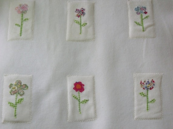 baby girls blanket white with flowers