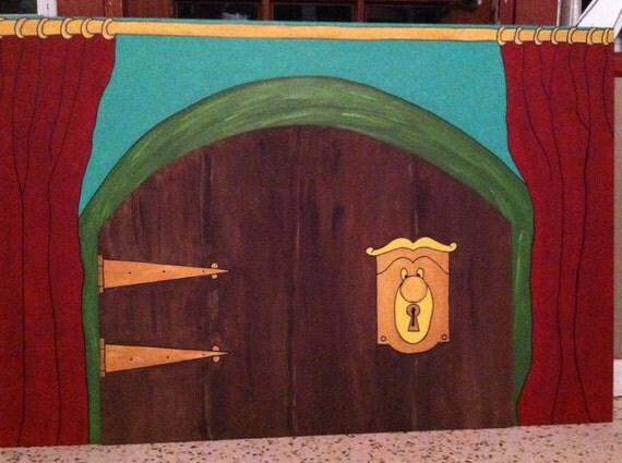 Alice in Wonderland Doorknob with Door and Wall Panel and Keyhole
