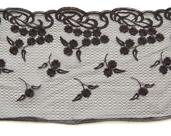 Black Daisy Embroidery