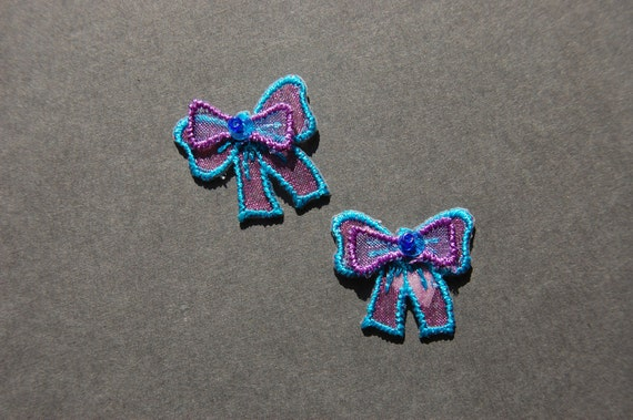 2pc Embroidered 3D Bow