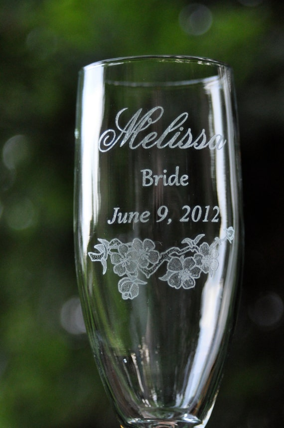 "Wedding Toasting Glasses, Decor, Table Settings,""Bride"" and ""Groom"" by Design Imagery Engraving"